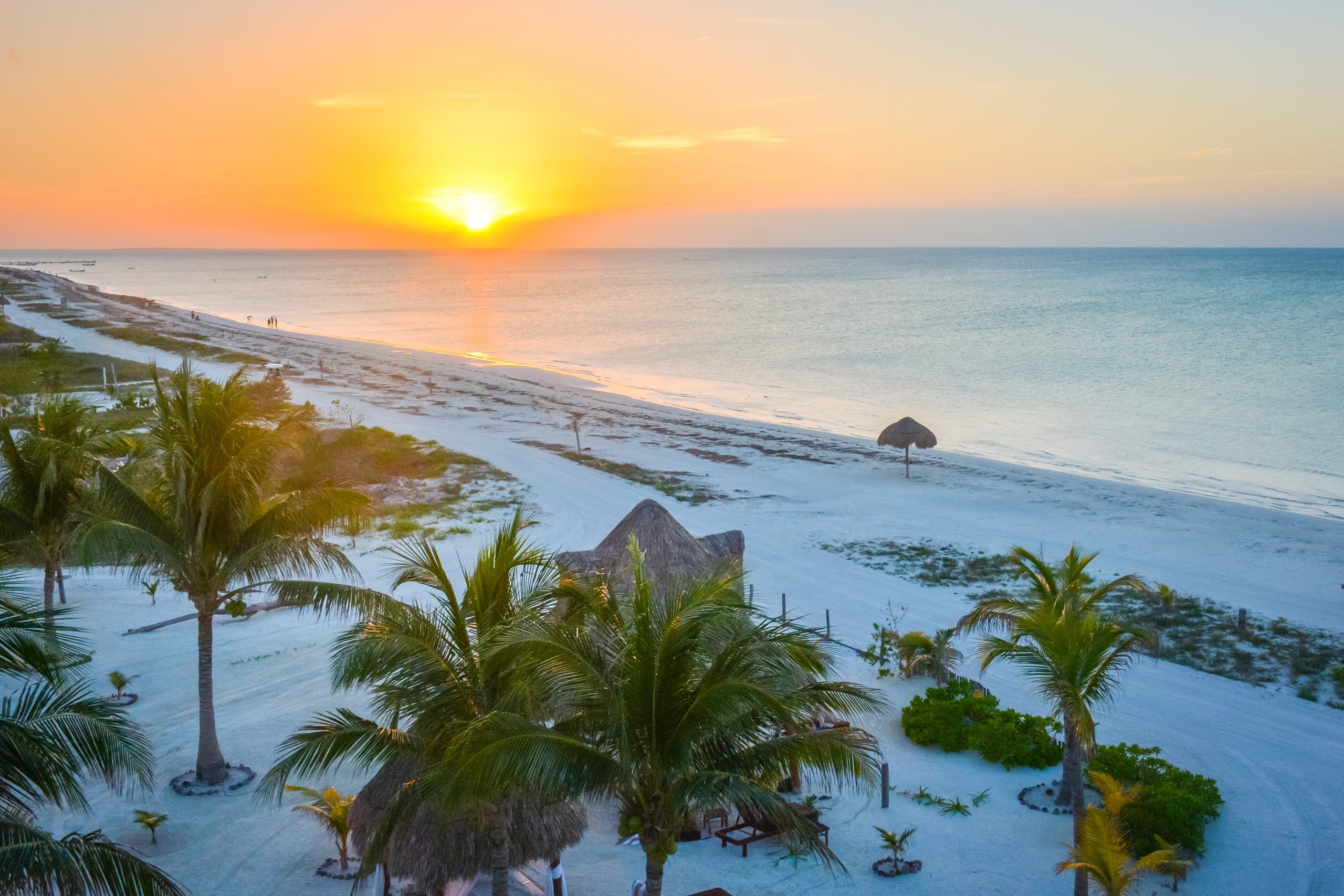 When is it best to travel to the Riviera Maya?