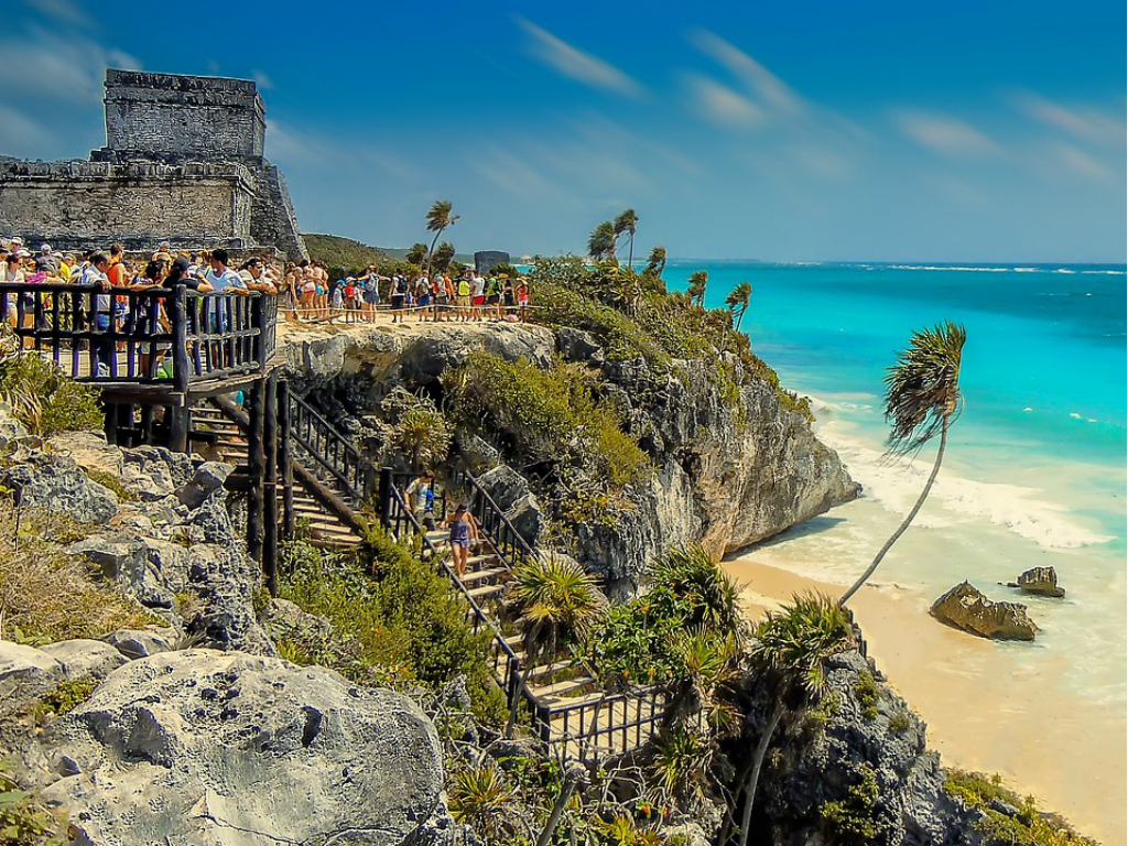 How to get to tulum?